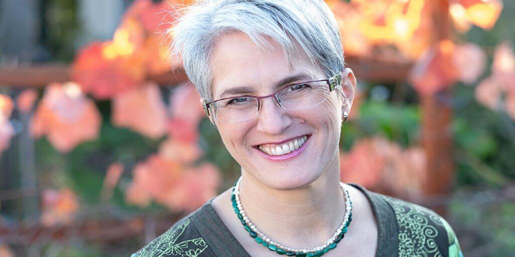 Sabine Zach-Lampson 1600 800